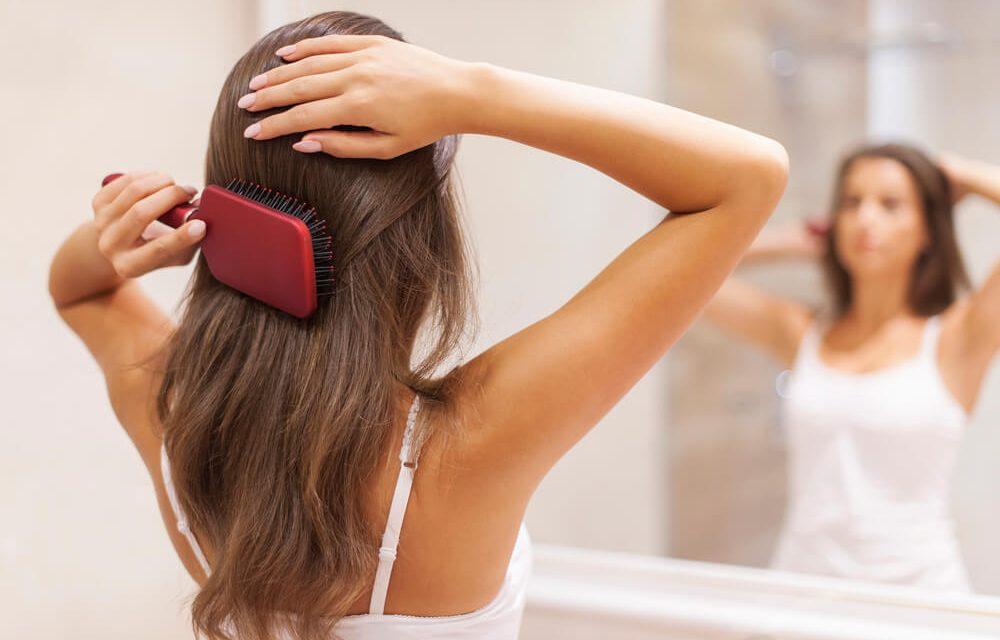 Que cuidados são recomendados para diminuir a queda de cabelo?