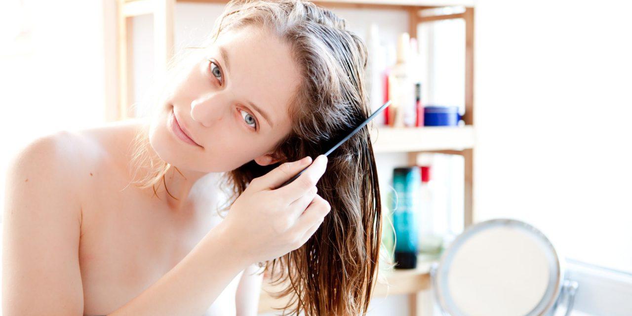 Não consegue ir ao salão? Confira 4 dicas incríveis para cuidar dos cabelos em casa